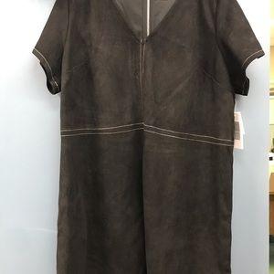Cute black suede shift dress with zipper back